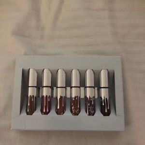 MINI MATTE LIPSTICK SET kylie cosmetics